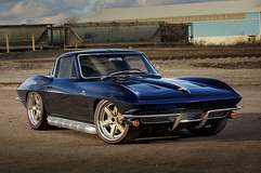 Barry B's Roadster Shop '64 Corvette Stingray on Center Locking Forgeline RS6 Wheels