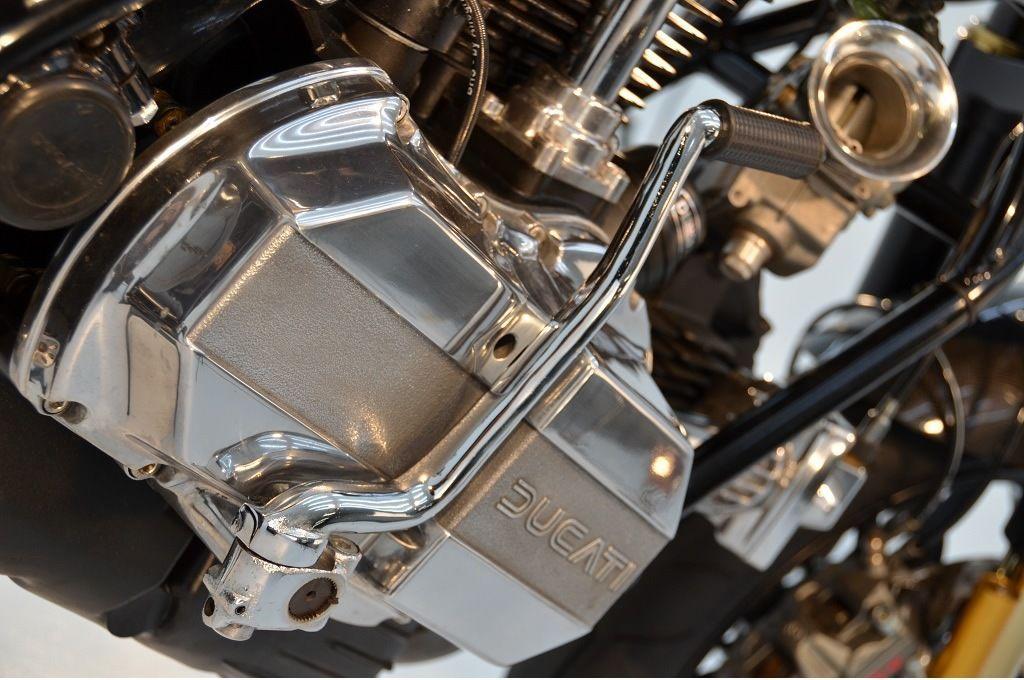 Ducati  | Desmopro Golden Cafe