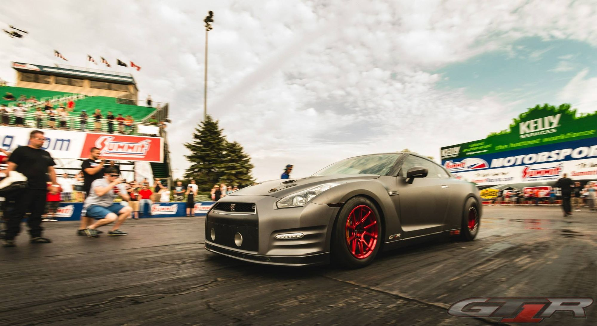 Nissan GT-R | T1 GT-R on Forgeline GS1R Wheels