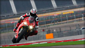 Ducati 1199 Panigale R - Racing Through The Track