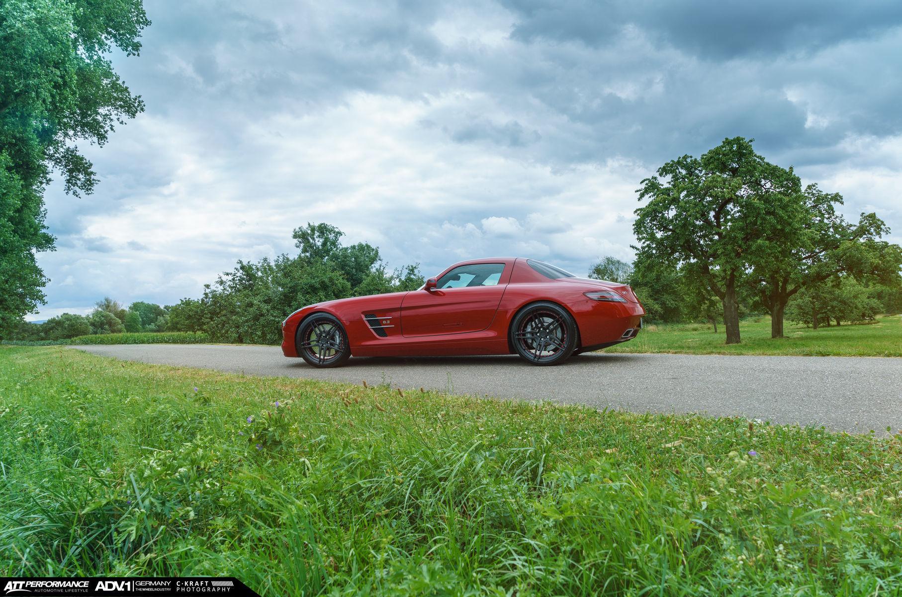 Mercedes-Benz SLS AMG   Mercedes SLS AMG