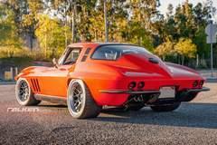 """Greg Thurmond's """"SCAR"""" 1965 Corvette on Forgeline DE3C Concave Wheels"""
