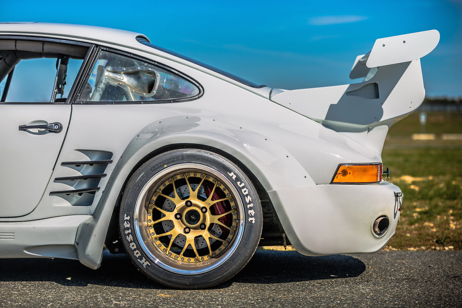 1983 Porsche 911 | Mick Cote's Porsche 911 Turbo Slant Nose on Forgeline WC3R Wheels
