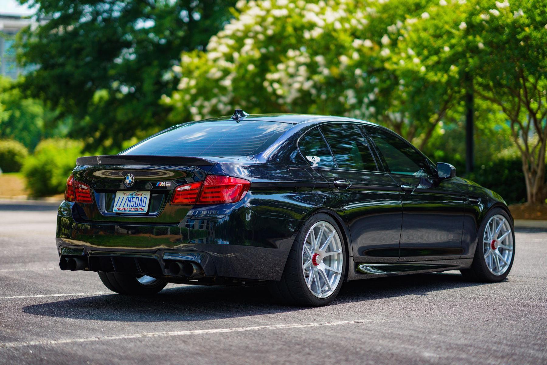 "2016 BMW M5   Ruben Ocampo's Twin-Turbocharged ""Ronin"" BMW M5 on Center Locking Forgeline One Piece Forged Monoblock GA1R Wheels"