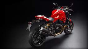 Monster 1200 R - Red Rear