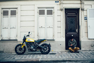 2015 Ducati Scrambler | Ducati Scrambler - Pit Stop