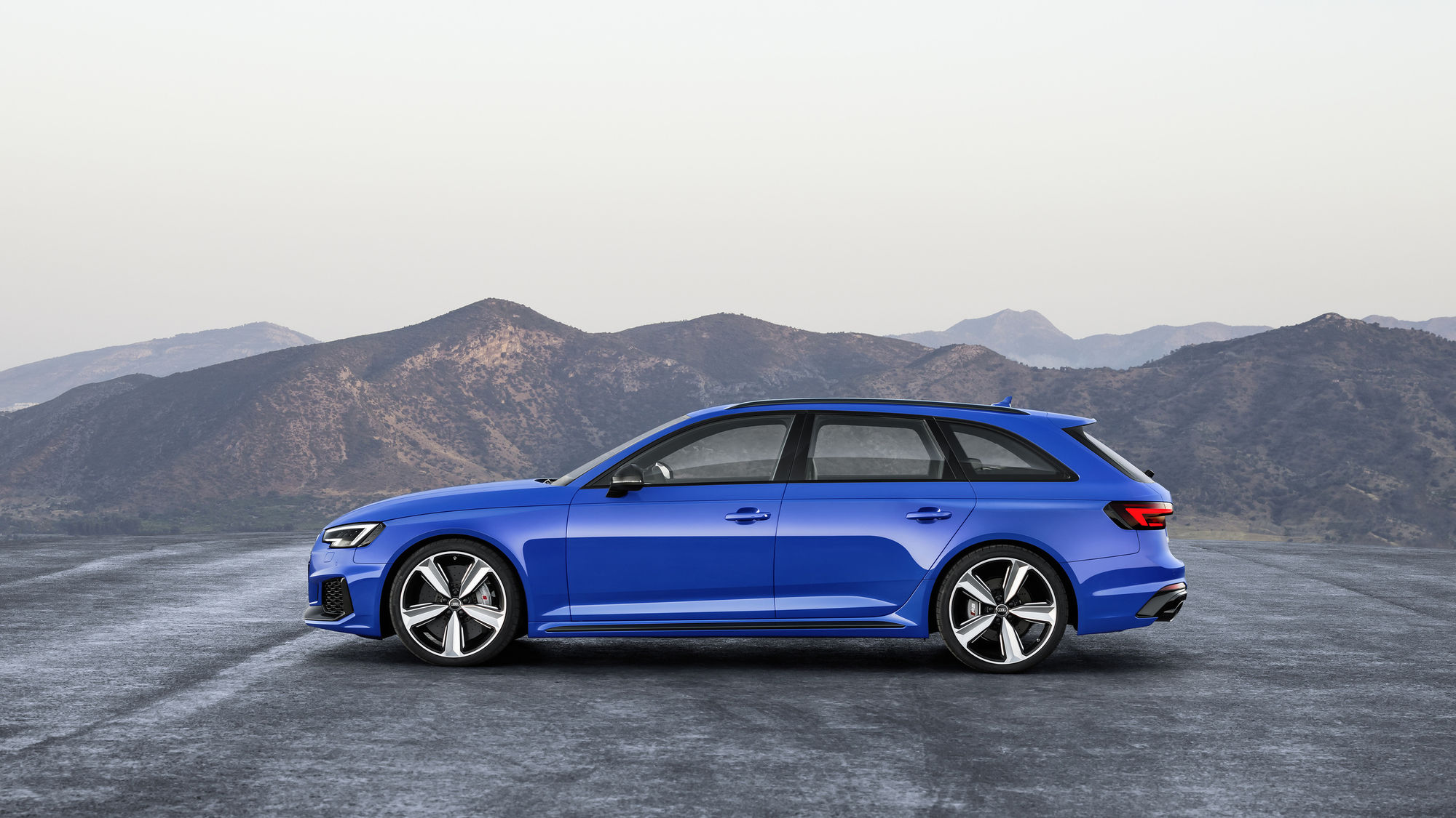 The New Audi Wagon Cranks Out 450 Horse This Impressive Figure Is Achieved By A 2 9 Tfsi V6 Biturbo Engine With Peak Torque Of 442 Pound Feet