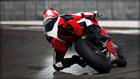 Ducati 1199 Panigale S - Turning