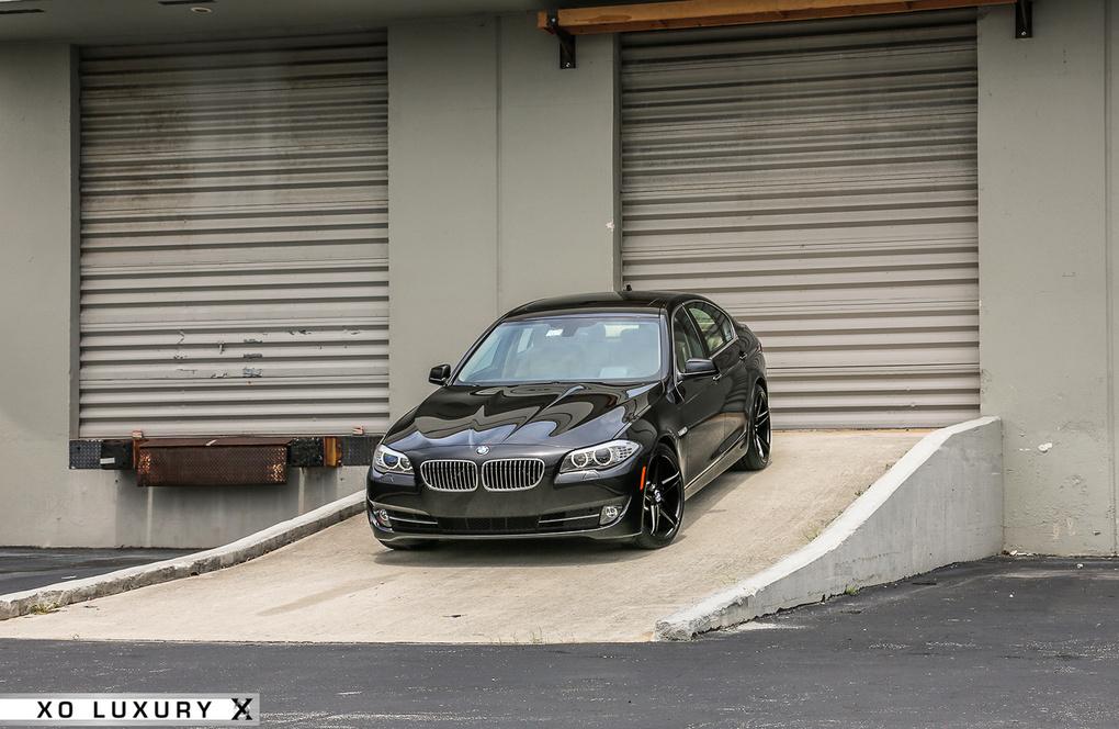 2012 BMW 5 Series | '12 BMW 528i on XO Caracas