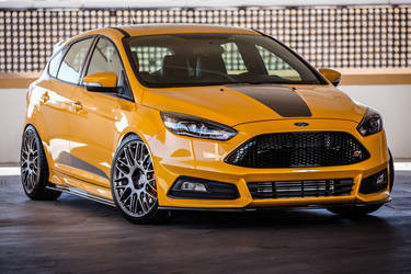 2015 Ford Focus ST | 2015 FSWERKS Ford Focus ST - Front Profile