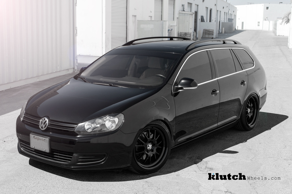 2010 Volkswagen Jetta | '10 VW Jetta Wagon on Klutch SL14's