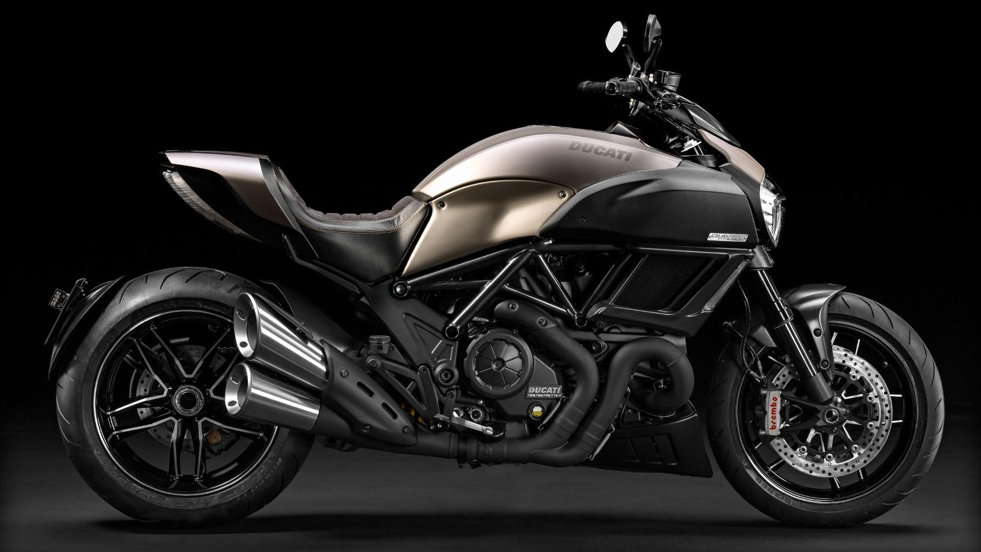 2015 Ducati Diavel Titanium | Diavel Titanium - Right Side View
