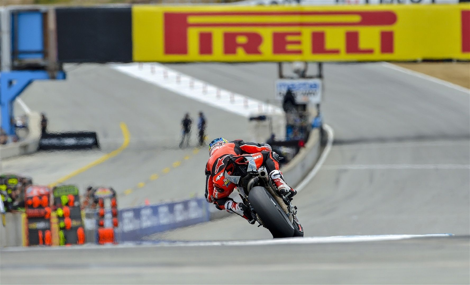 2015 Ducati Panigale R | Chaz steps on the gas at Laguna Seca