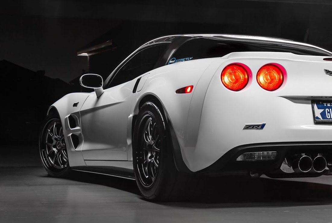 2010 Chevrolet Corvette ZR1 | Jason Wallace's Chevrolet Corvette ZR1 on Forgeline GA3 Wheels