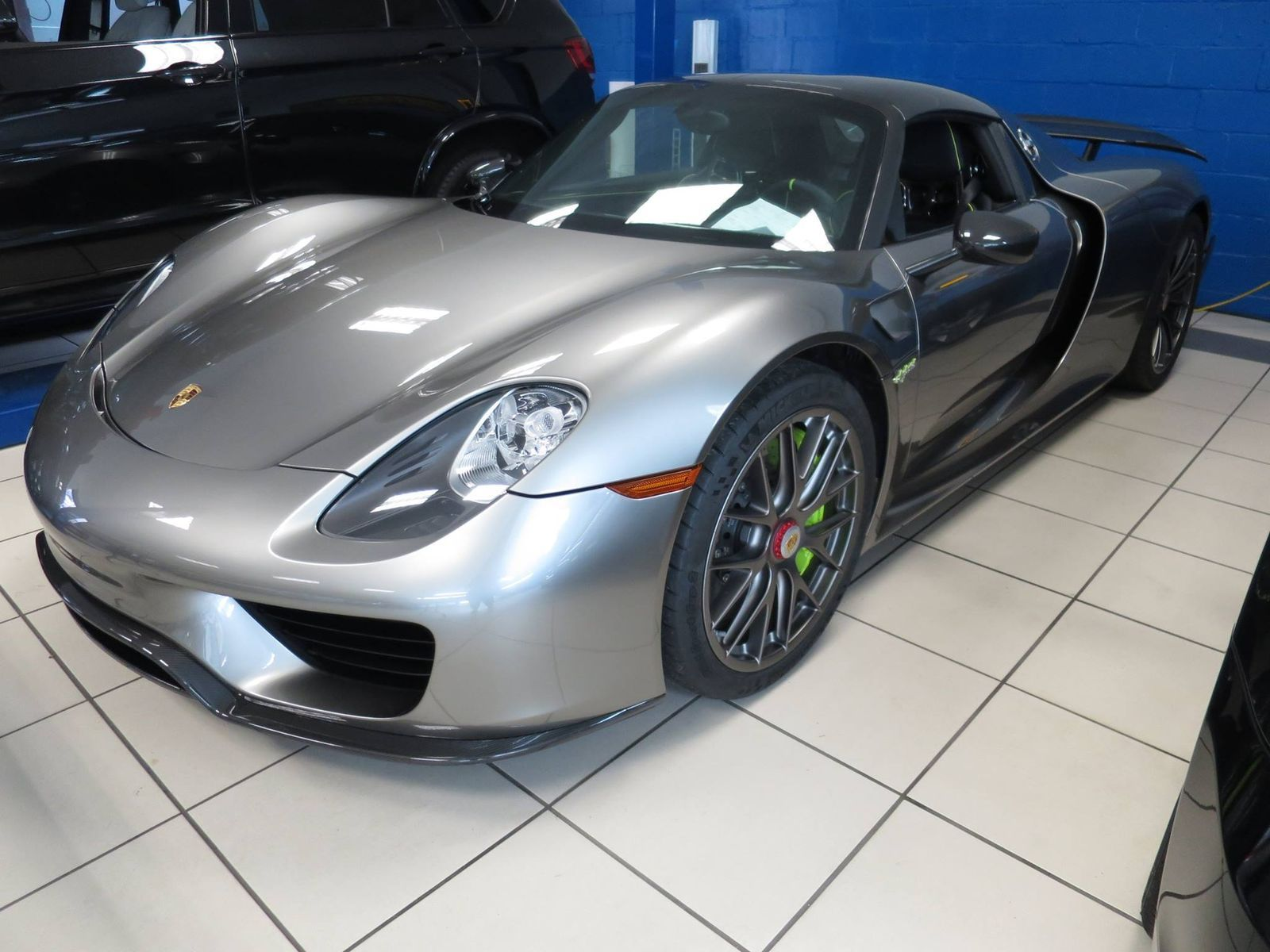 Porsche 918 Spyder | Porsche 918 with XPEL ULTIMATE self-healing clear bra