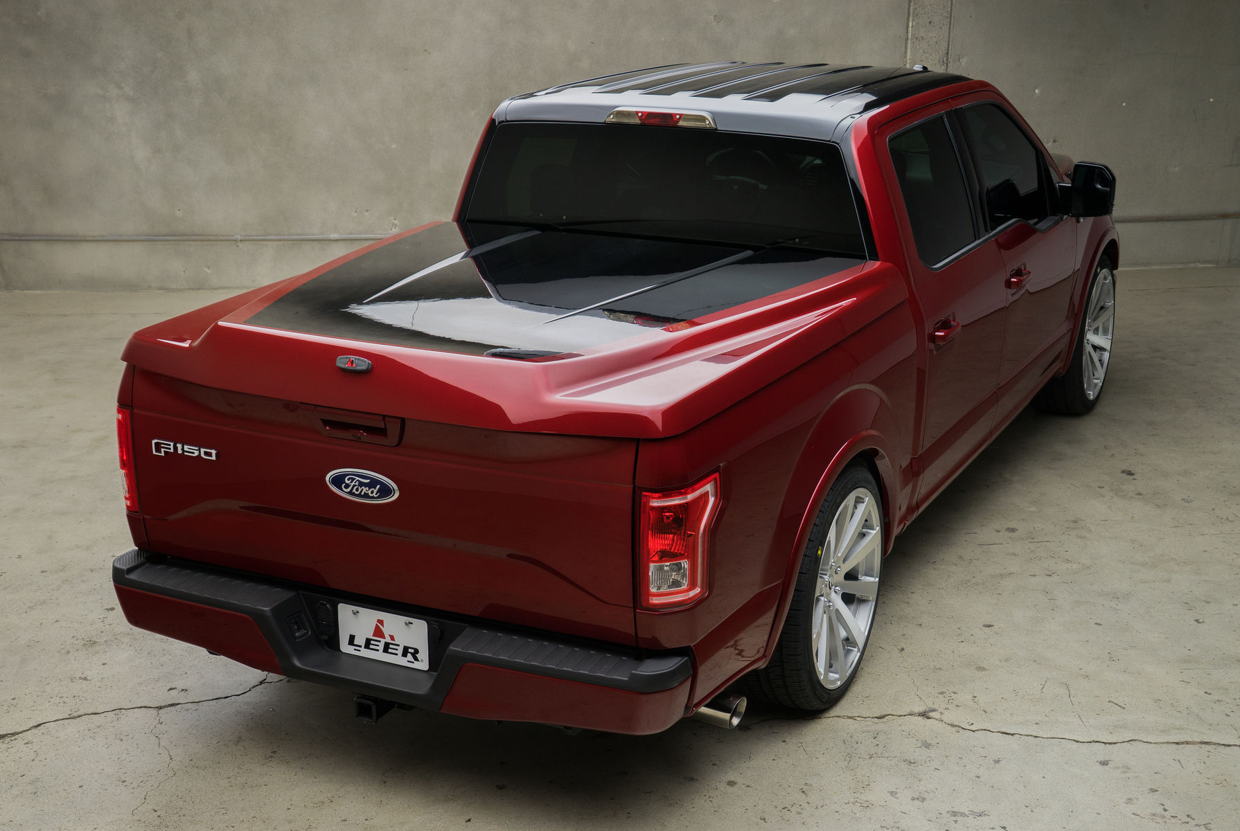 2015 Ford F-150 | 2015 Leer Ford F-150