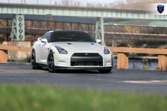 White GTR (Godzilla) - Front Profile