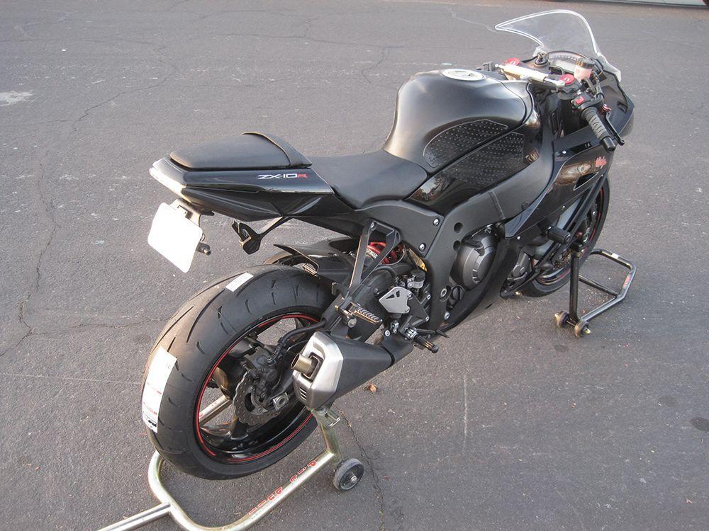 2011 Kawasaki ZX-10R NINJA | ZX10R with fresh Dunlops
