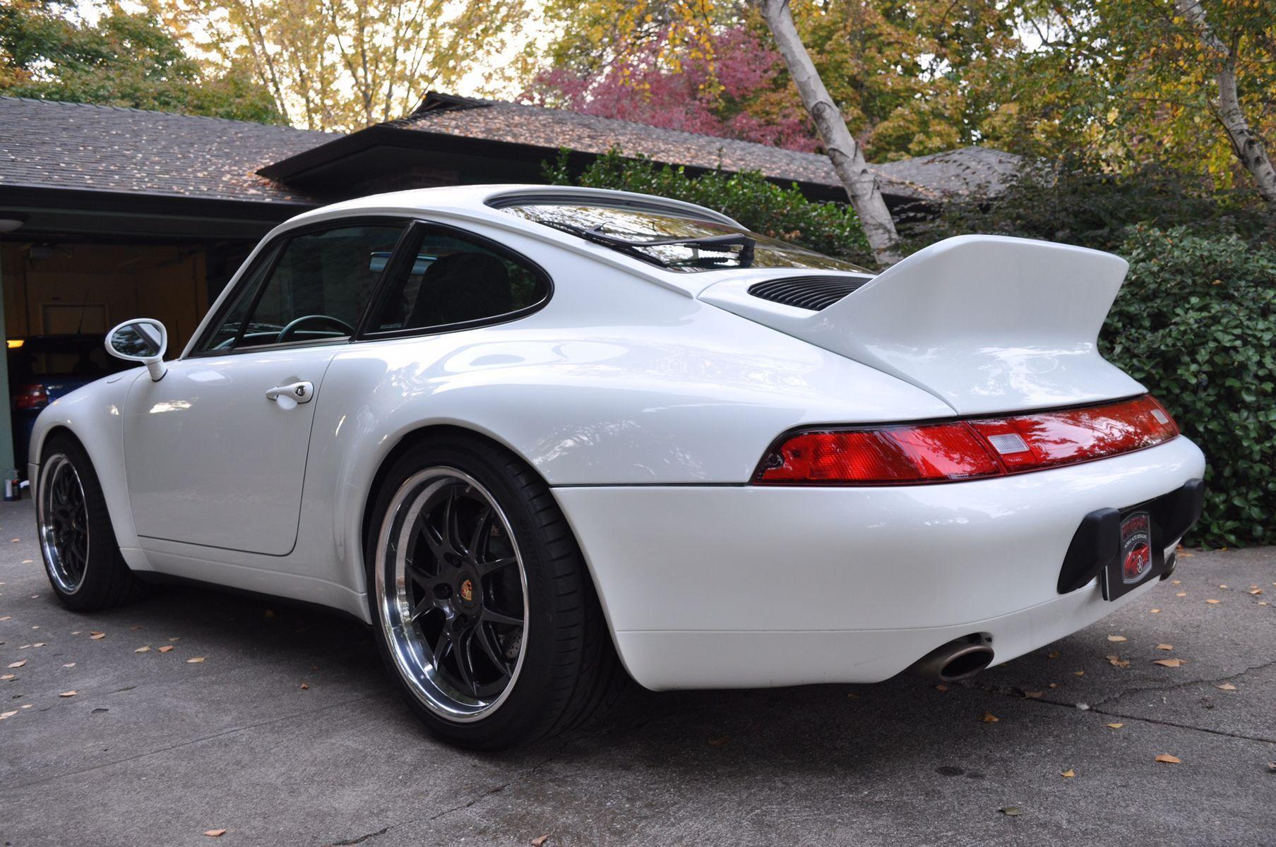 1995 Porsche 911 | Kate Cavell's 993 Porsche 911 on Forgeline GA3 Wheels