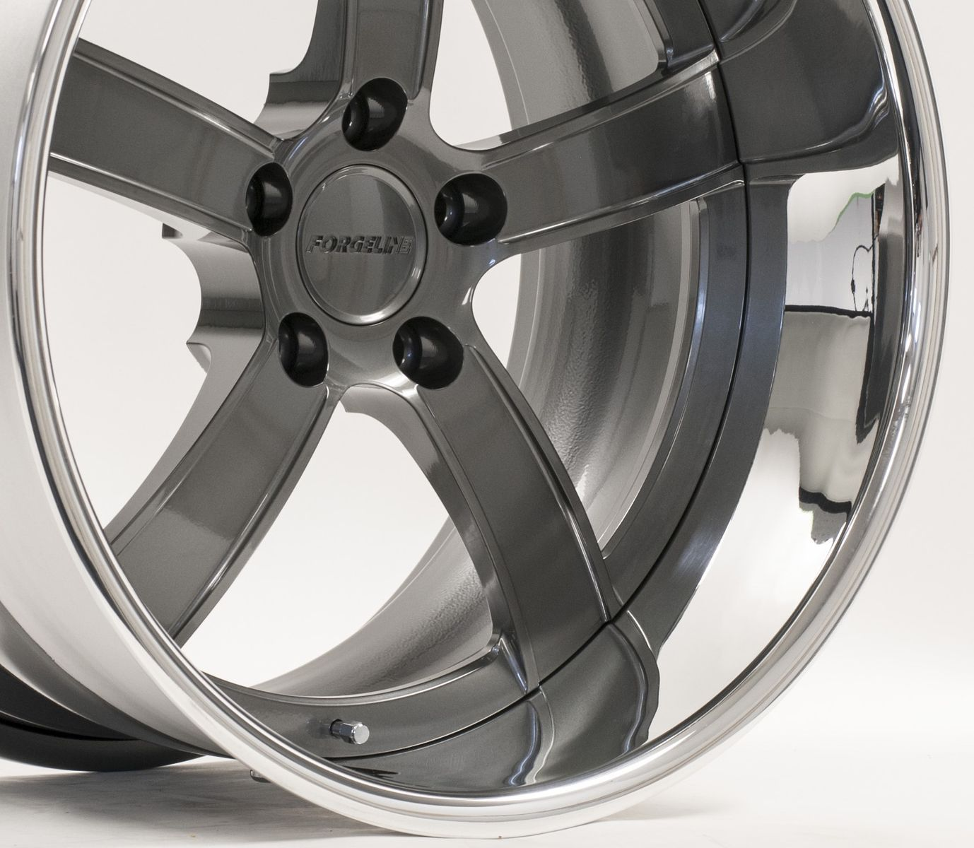 | Forgeline CH3P Wheel in Graphite & Polished