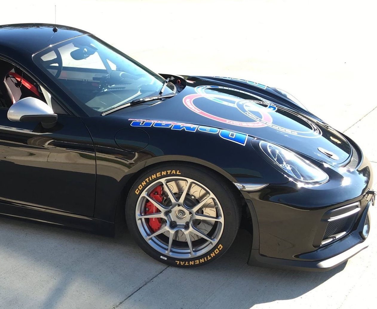 2016 Porsche Cayman | DeMan Motorsport Porsche Cayman GT4-R on Forgeline One Piece Forged Monoblock GS1R Wheels - Passenger Front Wheel