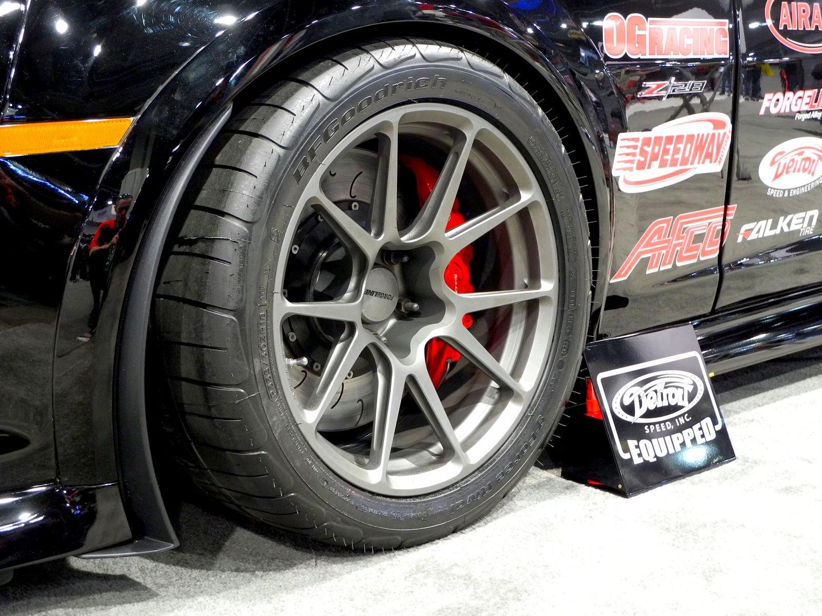 2014 Chevrolet Camaro | Ken Thwaits' Showtime Motorsports Camaro Z/28 on Forgeline One Piece Forged Monoblock GA1R Open Lug Open Lug Cap Edition Wheels