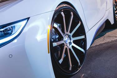 2015 BMW i8   2Crave Mach ME. 10 (22x9.0 & 22x10.5)