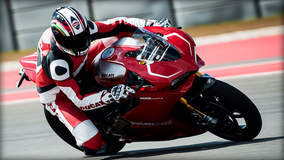 Ducati 1199 Panigale R - Down Low