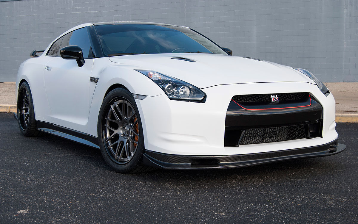 2012 Nissan GT-R | Doug W's Nissan R35 GT-R on Forgeline DE3C Concave Wheels