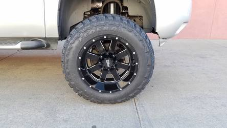 "2011 Chevrolet Tahoe | 35"" Tires / 20"" MotoMetal Wheels"