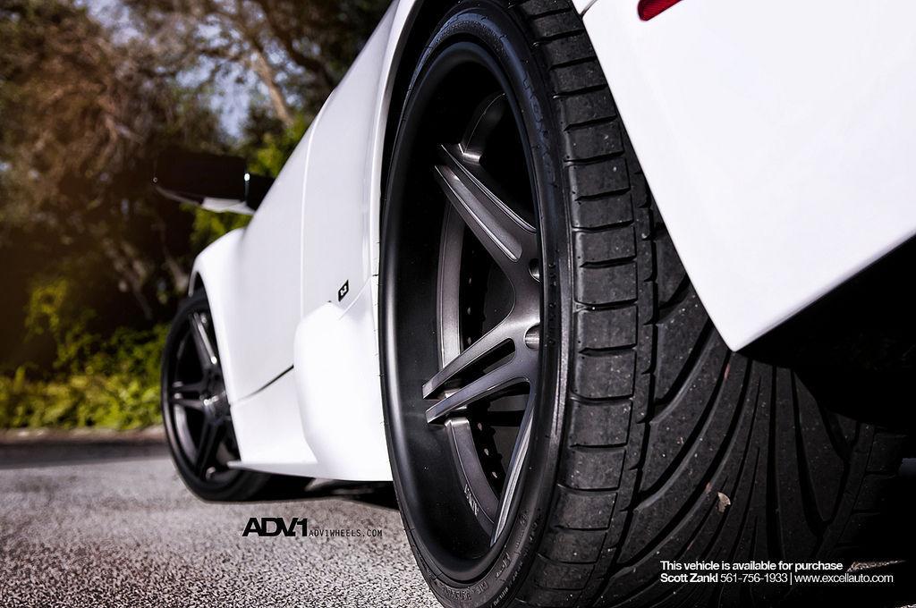 Lamborghini Murcielago   LP640 on ADV05 Deep Concave