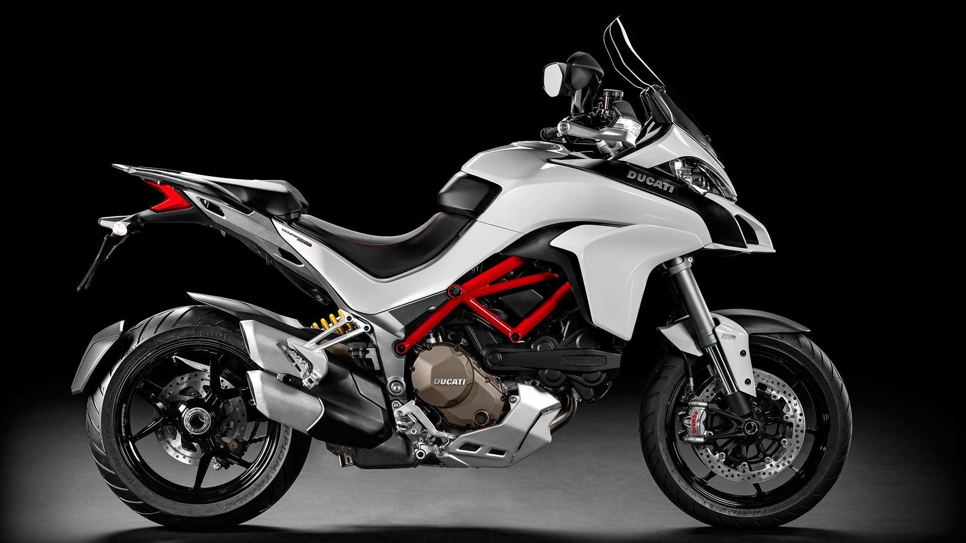 2015 Ducati MULTISTRADA 1200 | Multistrada 1200 S - Right Side View