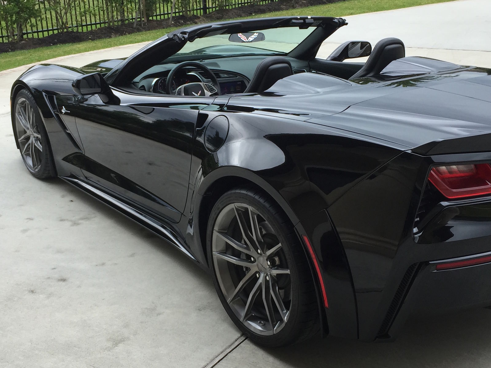 2015 Chevrolet Corvette Stingray | Keith Traylor's 830HP Widebody C7 Corvette Convertible on Forgeline One Piece Forged Monoblock AR1 Wheels