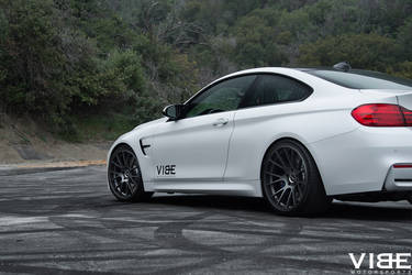 "2016 BMW M4 | BMW M4 on the 20"" RSR wheels - Team Vibe"