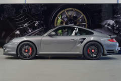 Porsche 997.2 Turbo on Forgeline Fluch-Loc Conversion and Center Locking GA3R Wheels