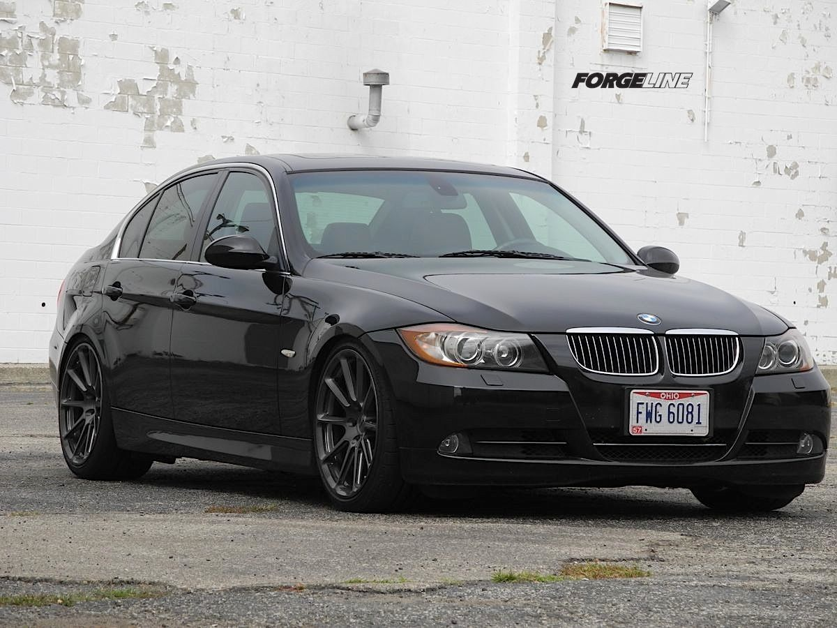 2006 BMW 3 Series | Todd L's BMW 330i on Forgeline One Piece Forged Monoblock RB1 Wheels