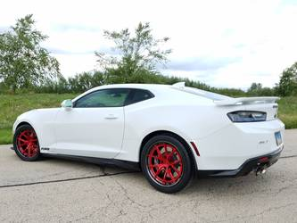 2018 Chevrolet Camaro | Chris & Lynda Jacobs' ZL1 Camaro on Forgeline AL301 Wheels