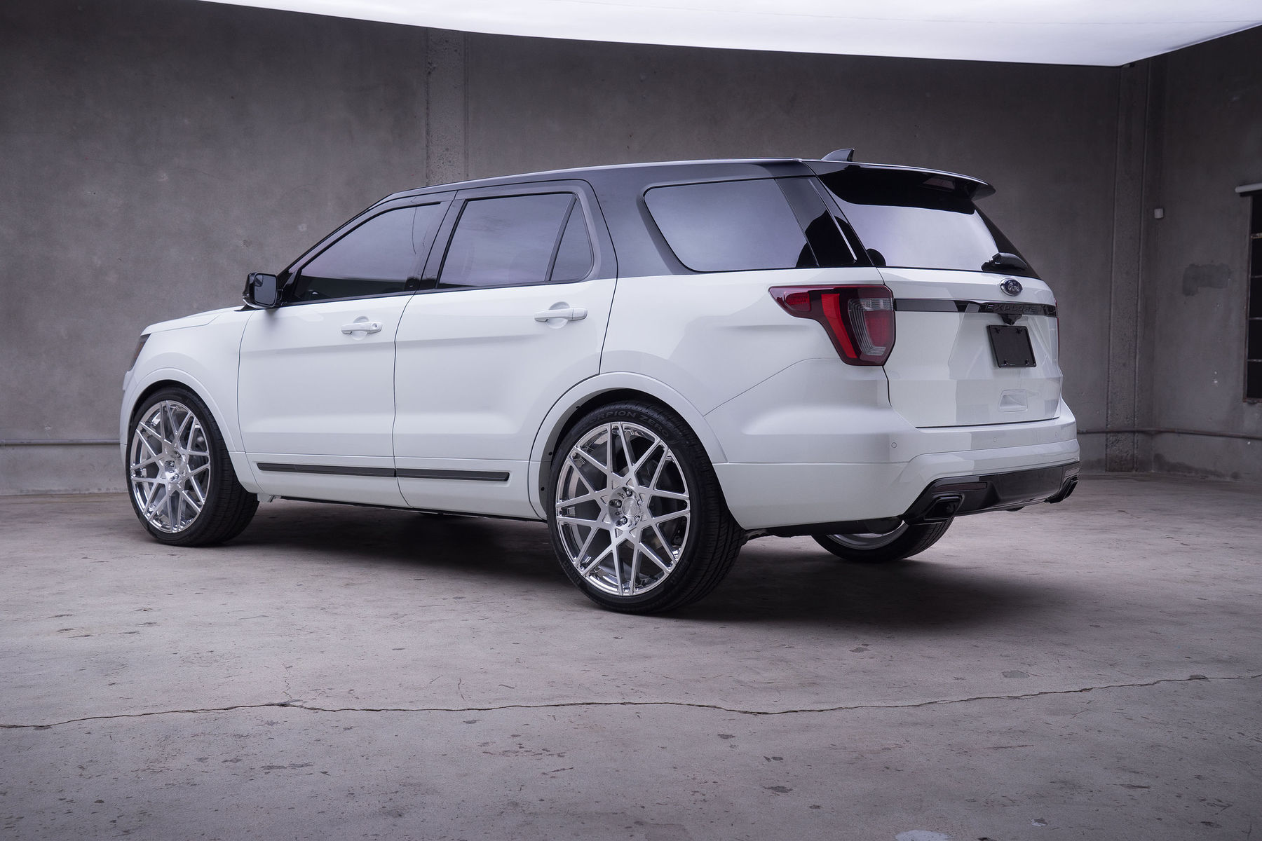 2015 Ford Explorer Sport | '15 Ford Explorer Sport by MAD Industries - Side Angled Shot