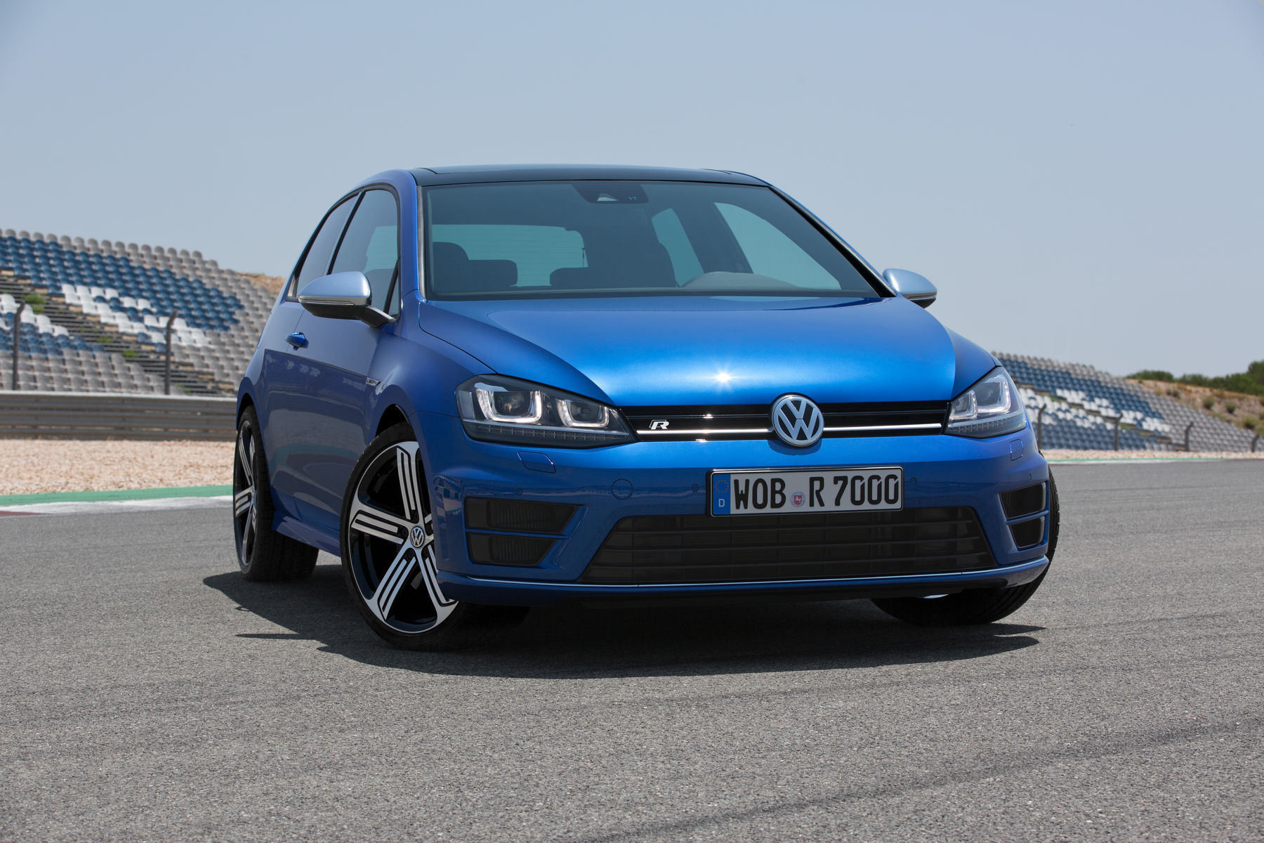 2015 Volkswagen Golf R | The '15 VW Golf R
