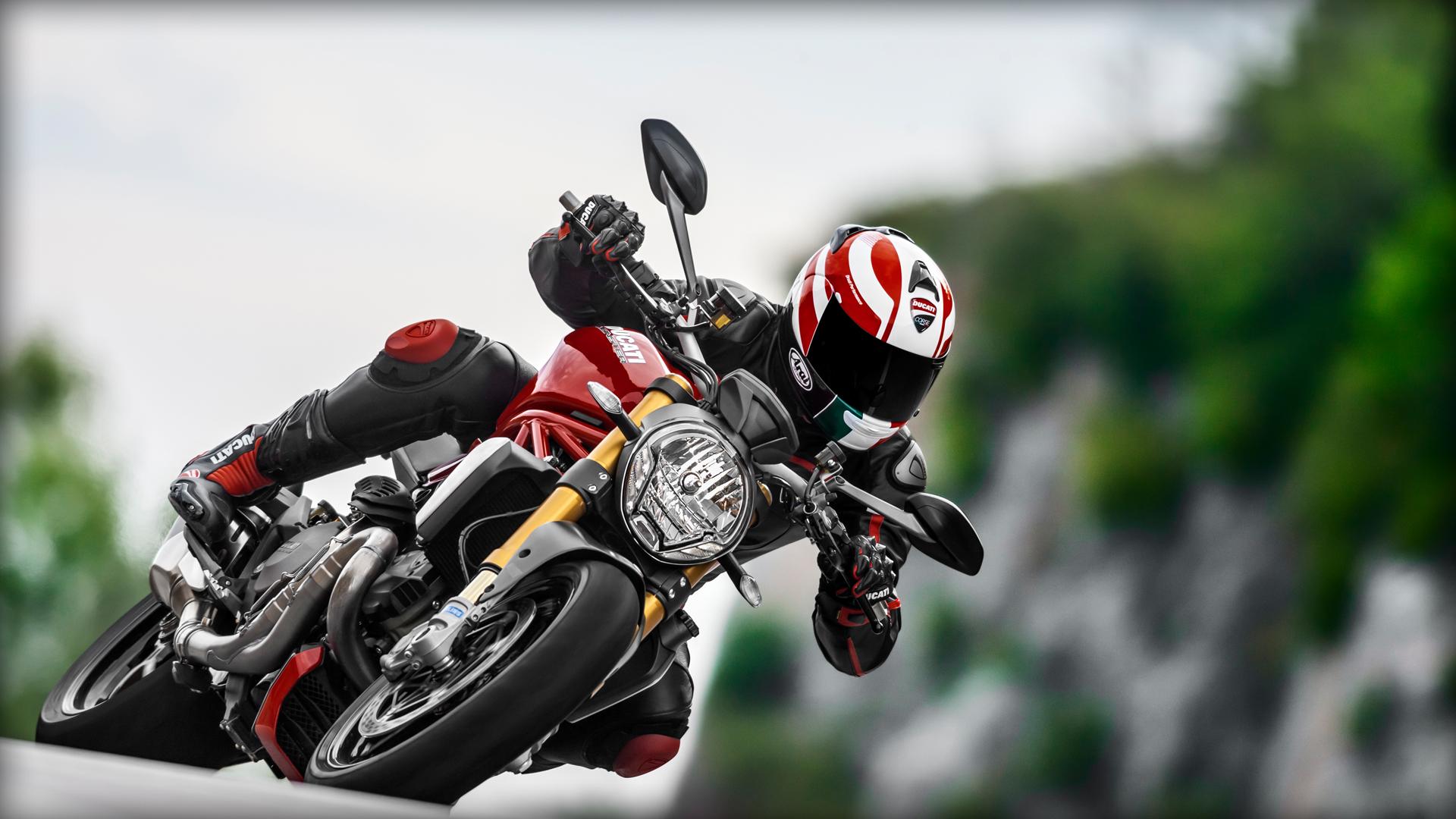 2014 Ducati    Ducati Monster 1200 S