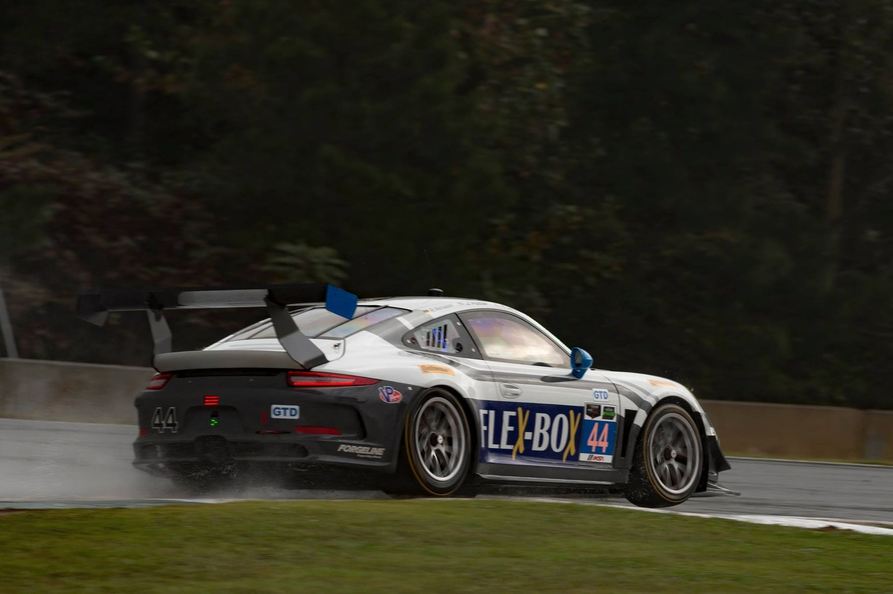 2015 Porsche 911 | Magnus Racing #44 Porsche Second at 2015 Petit Le Mans