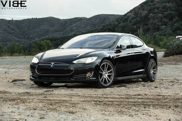 "Tesla Model S P85D on 20"" Concavo Wheels - Front Shot"