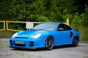 Mexico Blue wrapped 996 Turbo