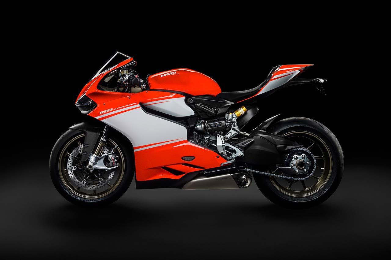 2014 Ducati  | Ducati Superleggera - Side Shot