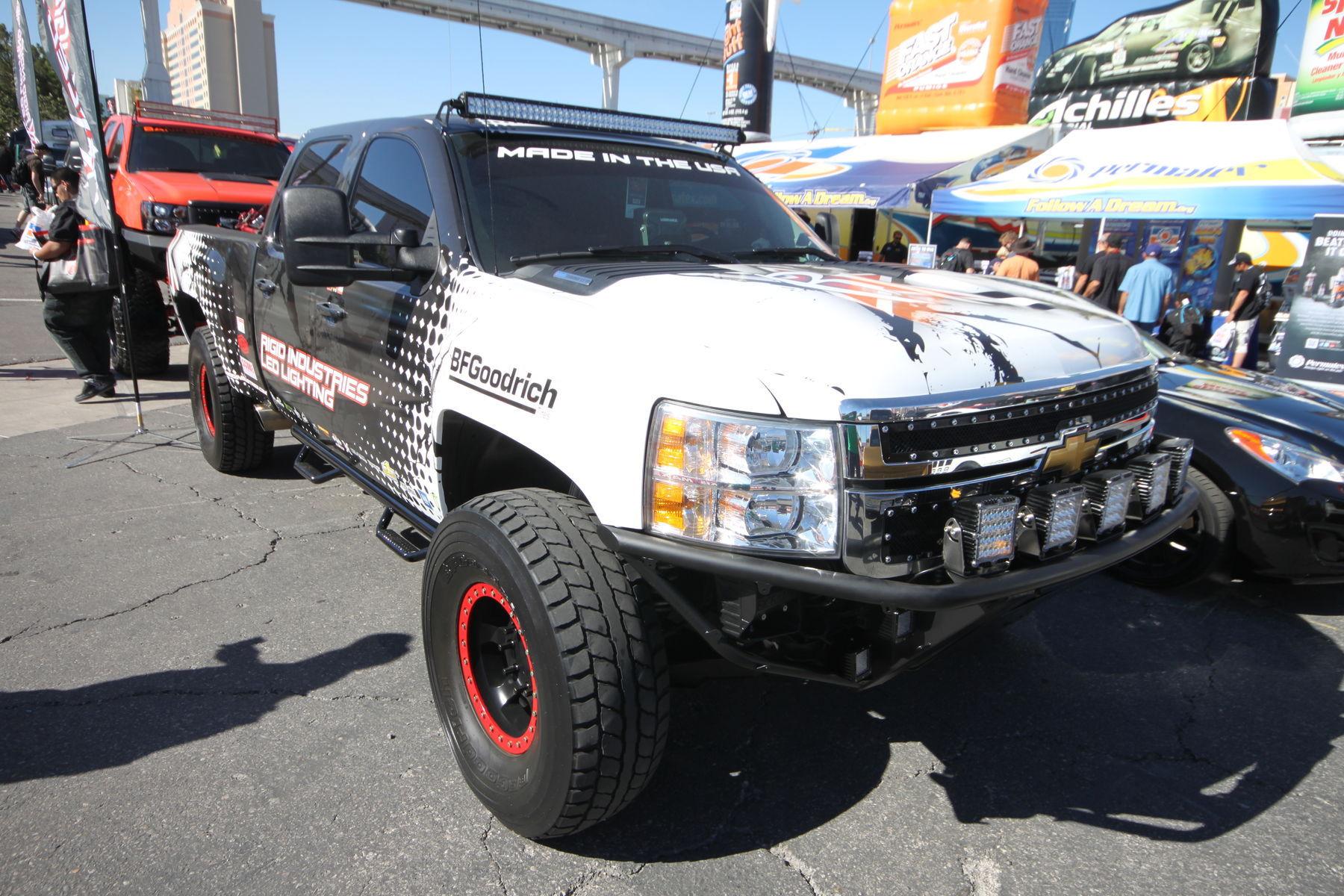 Chevrolet Silverado 2500HD | Rigid 1 PreRunner in Vegas