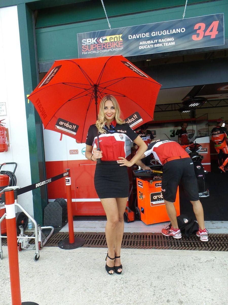 2015 Ducati Panigale R | Ducati umbrella girl