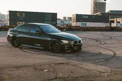 BMW 330i - Passenger Side View