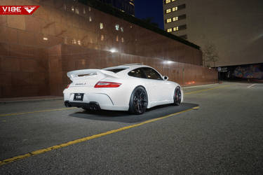 2006 Porsche 997 | 2006 Porsche Carrera S on Vorsteiner V-FF 101 Wheels - Night Driving