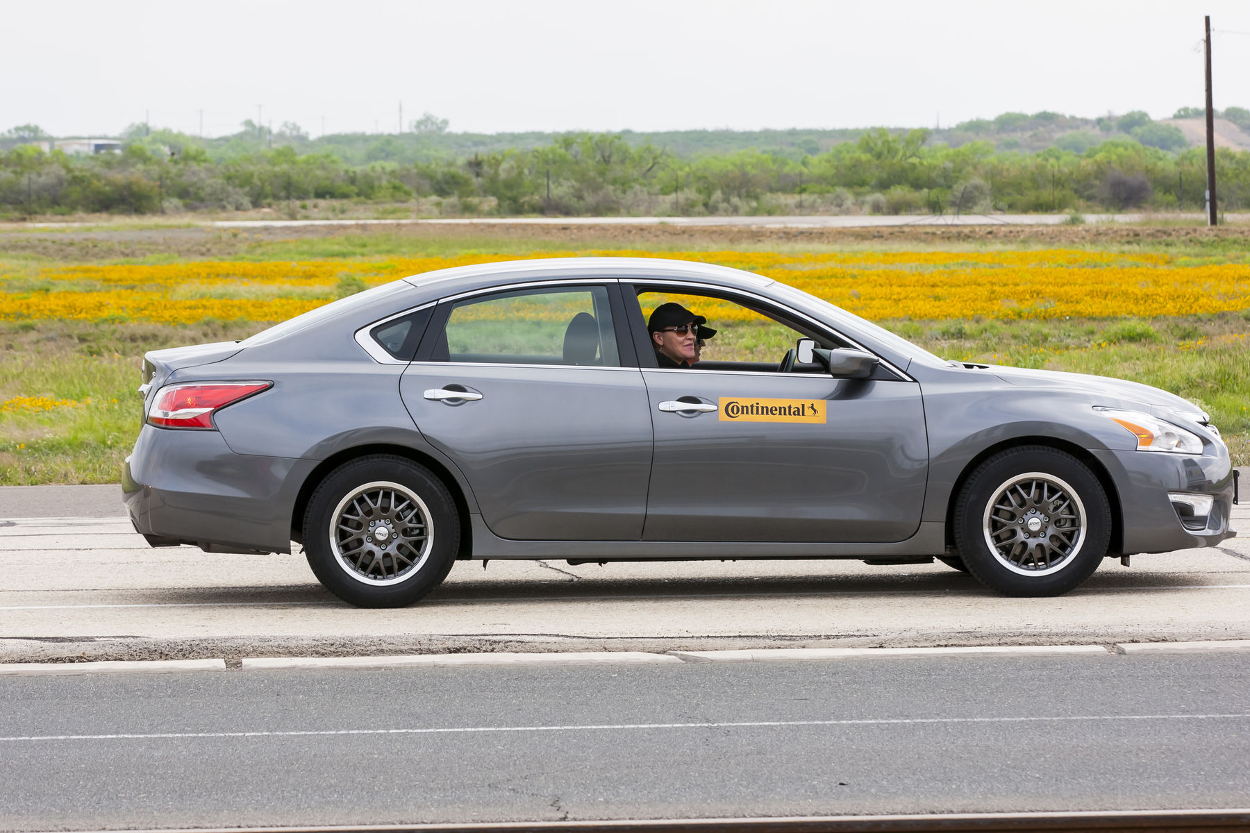 | Dry braking at its finest in the car equipped with the new TrueContact Continental Tires