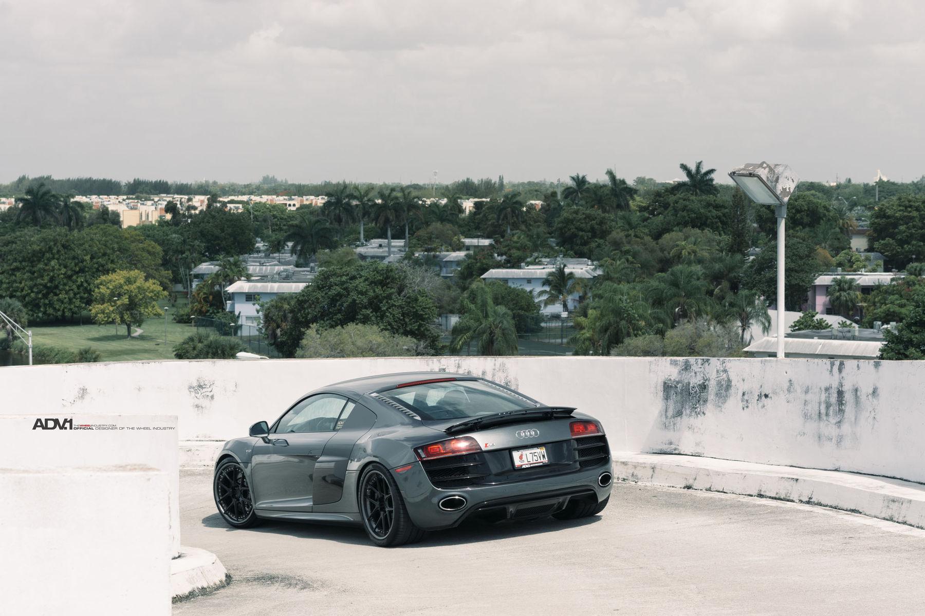 Audi R8   Audi R8 V10